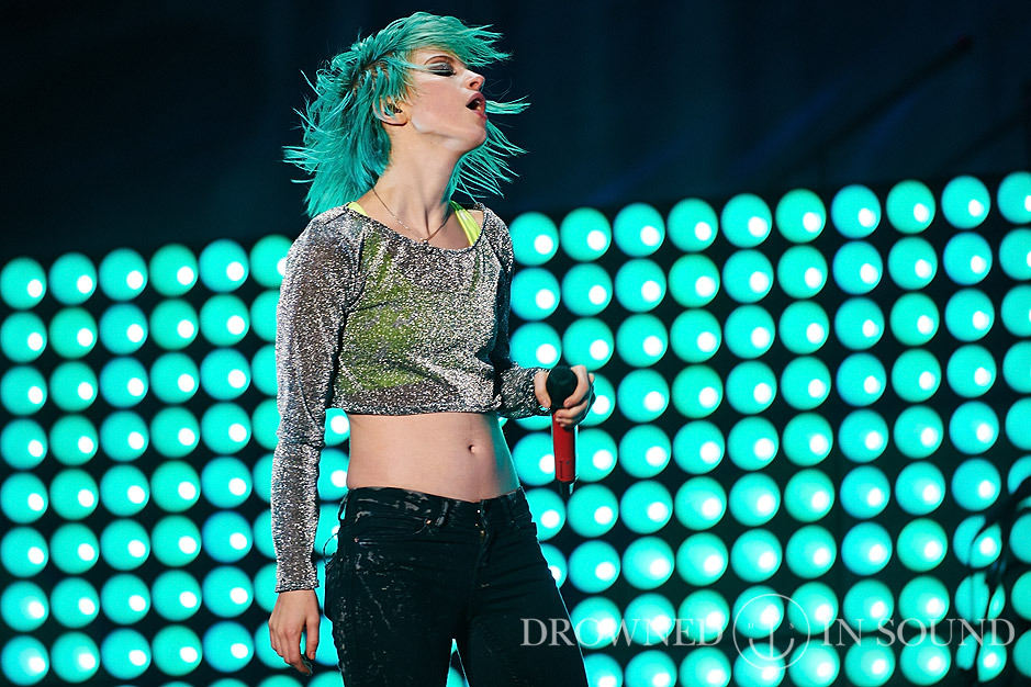 Paramore 2014 Live Reading 2014: P...